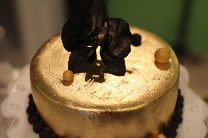 торт золдотой на золотую свадьбу с золотом