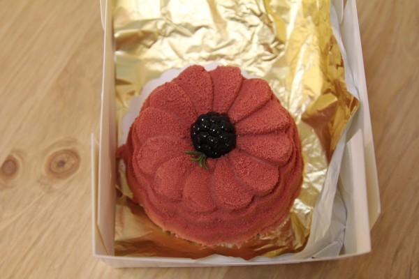 пирожное в подарок