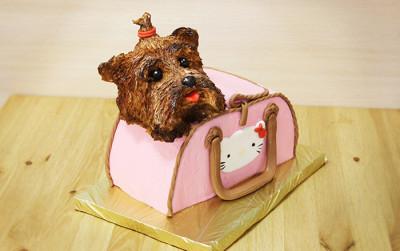 Собачка в сумочке