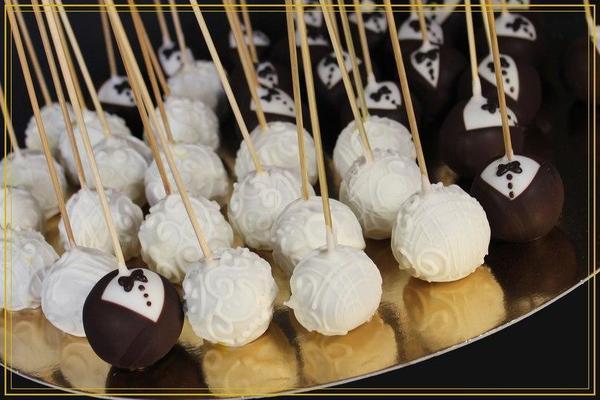 свадебные пирожные необычной формы