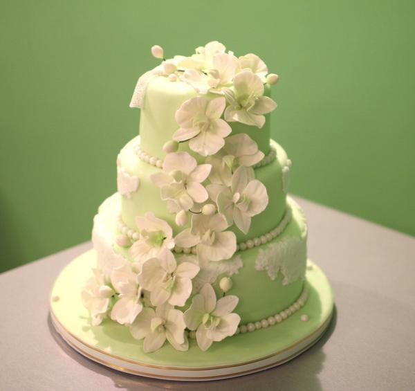 салатовый свадебный торт