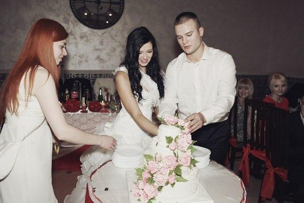 торт свадебный красивый