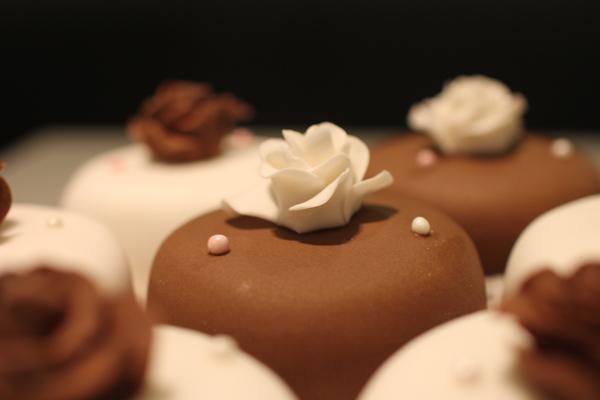 красивые пирожные минск
