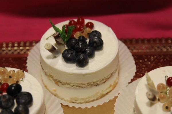 красивый торт без мастики на заказ
