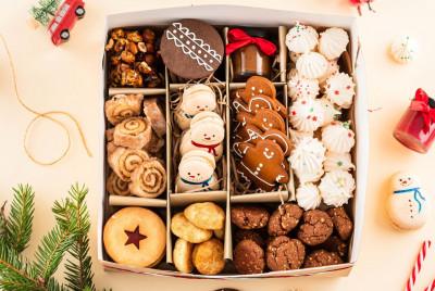 Большой набор печенья и сладостей