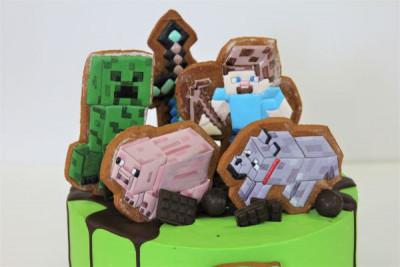 Торт в стиле Майнкрафт с пряниками