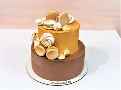Торт с золотым декором