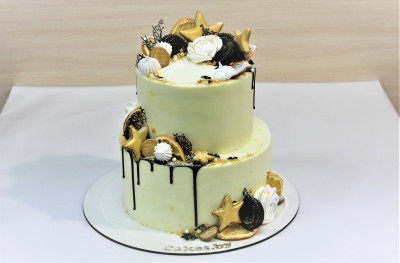 Торт белый со звездами