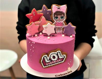 Торт с куклой Лол
