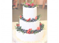 Свадебный торт с сезонными фруктами