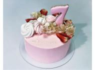 Торт с нежным декором и цветами